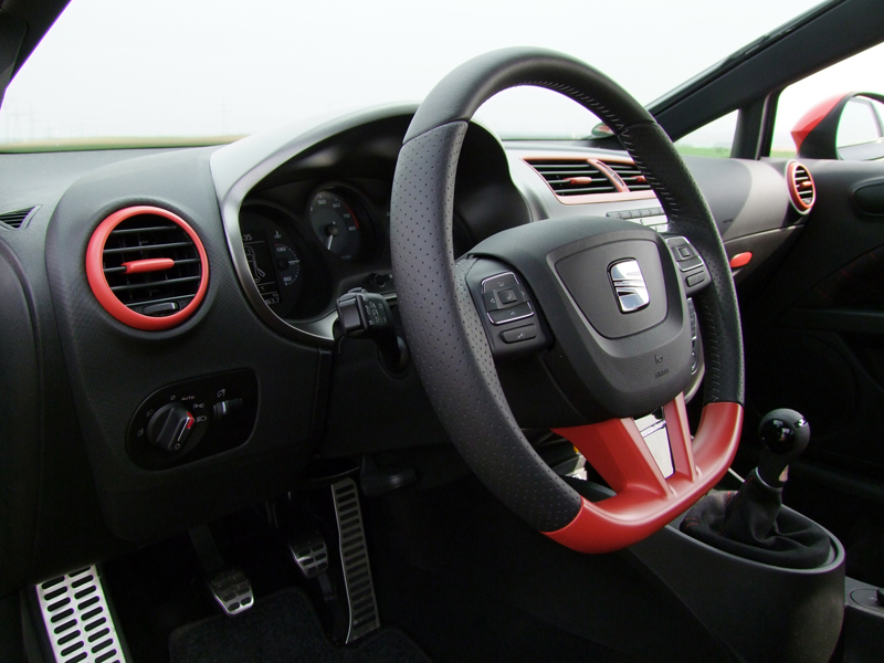 je design seat leon 1p fr cupra r facelift frontspoiler led tagfahrleuchten alufengen seitenschweller heckspoiler